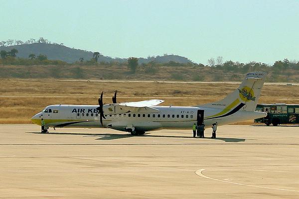 エア・カンボーザのATR72型機