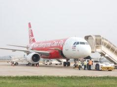 シェムリアップ空港に駐機中のエアアジア機