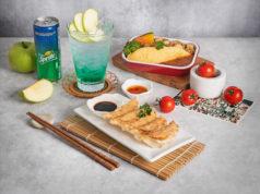 エアアジアグループが機内食で餃子を提供