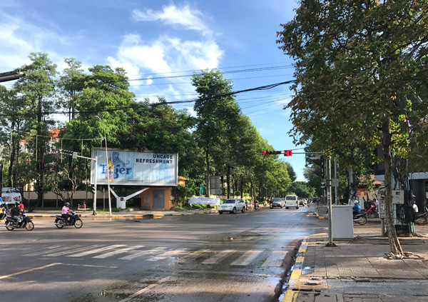 シヴァタ通りと国道6号線との交差点