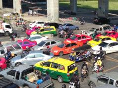 バンコク市内の渋滞風景