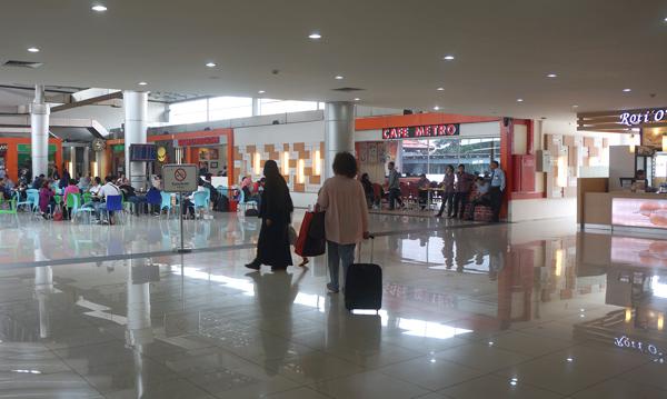 スカルノハッタ国際空港ターミナル1C内の様子