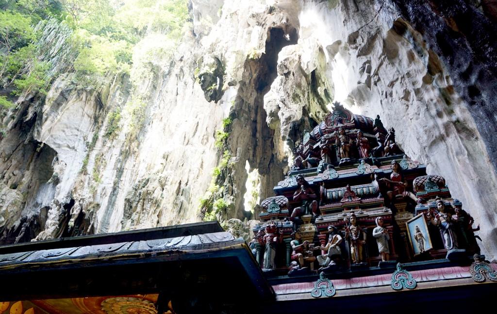 バトゥ洞窟内