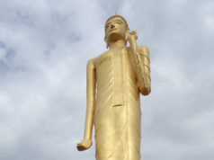 ローイエットの巨大仏像