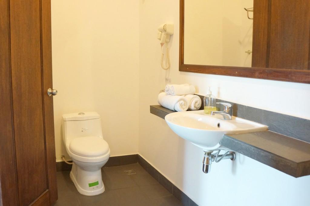 ビラボンホテルのバスルーム