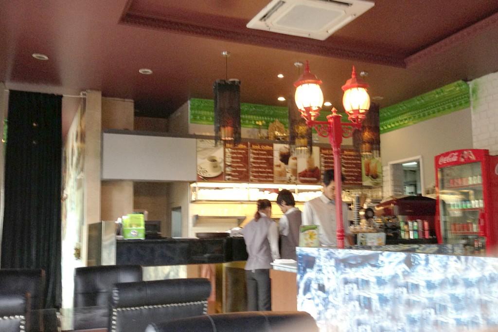 ヤンゴン市内のブラックキャニオンコーヒー
