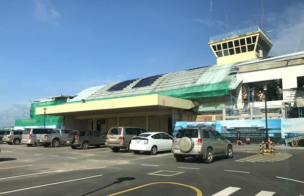 ターミナルは拡張工事の真っ最中