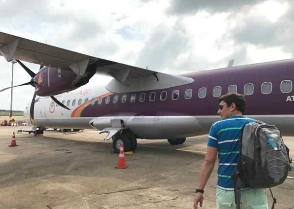 カンボジアアンコール航空のATR72型機