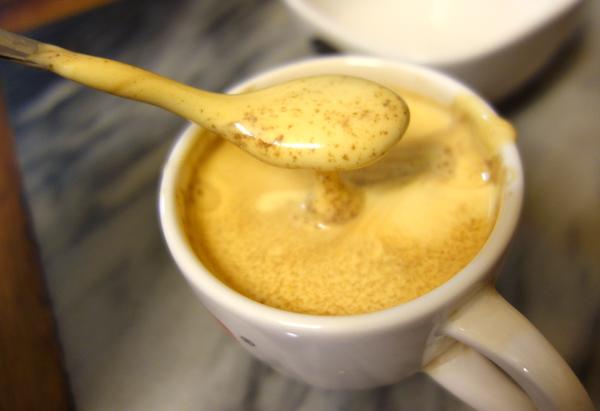 ハノイのエッグコーヒー