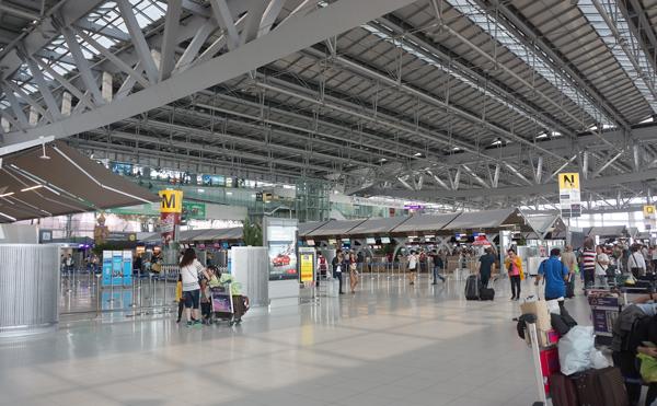スワンナプーム国際空港ターミナル内の様子