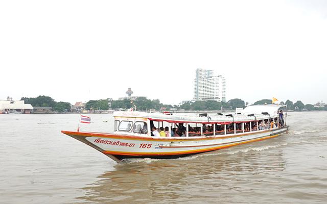 チャオプラヤーエクスプレスボート(現行タイプ)