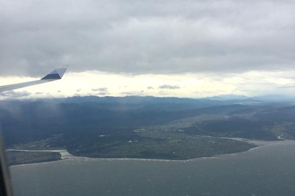 機内の窓からの眺め