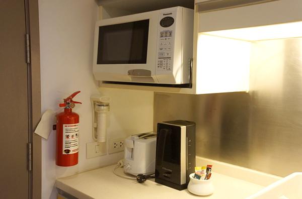 電子レンジ、トースター、電気ケトル