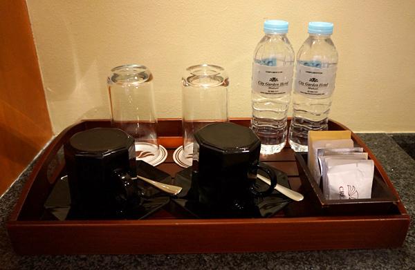 ドリンキングウォーター、コーヒーなど