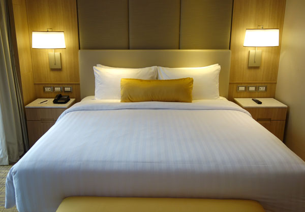 クイーンサイズのベッド