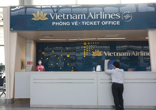 ベトナム航空のチケットカウンター