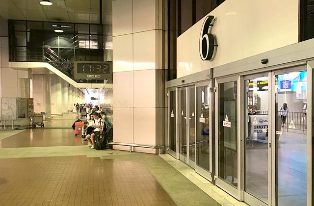 ドンムアン空港の6番出入口