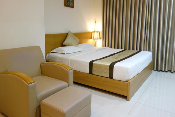 ベッドとソファ
