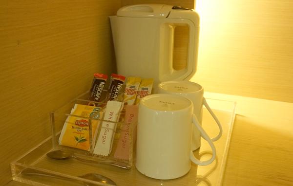 コーヒー、紅茶、電気ケトルなど
