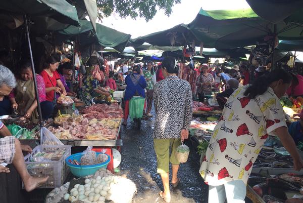 カンダル市場