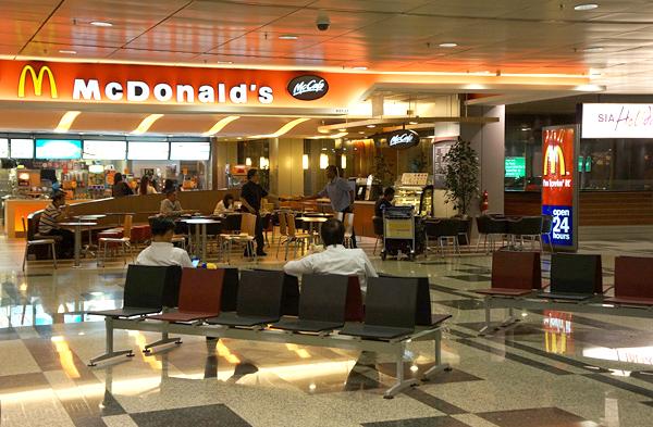 チャンギ空港ターミナル3のマクドナルド