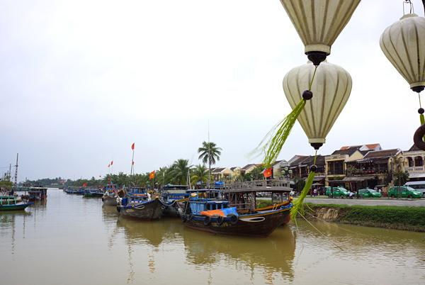 トゥボン川
