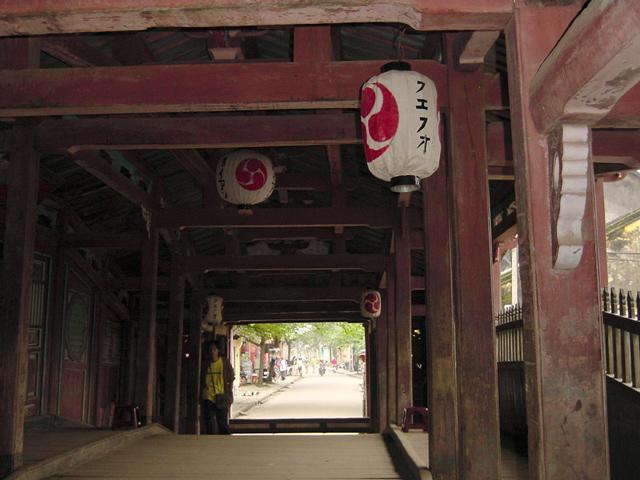 日本橋の上から(2000年12月撮影)