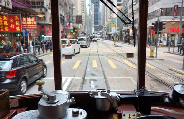 トラム運転席からの眺め