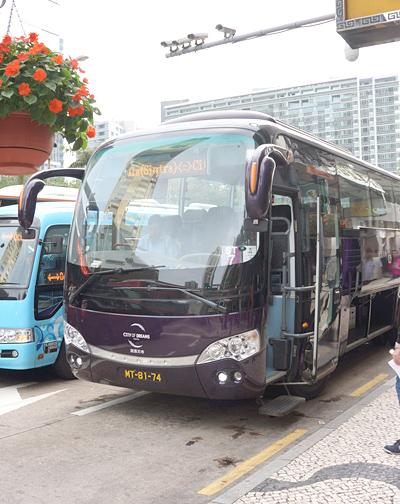シティ・オブ・ドリームス行きのバス