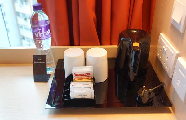 無料の水、コーヒーなど
