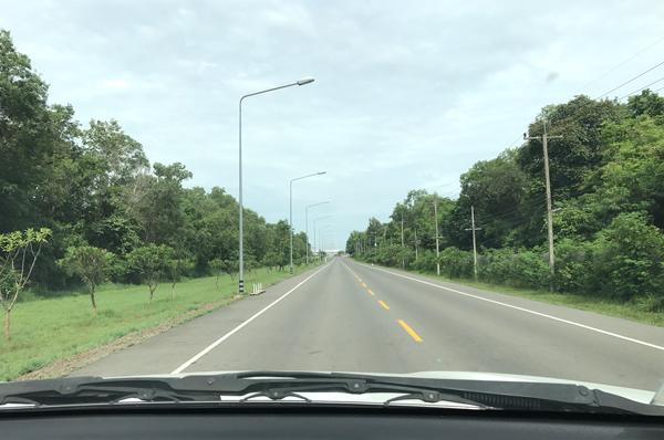 タイのイサーンをドライブ中