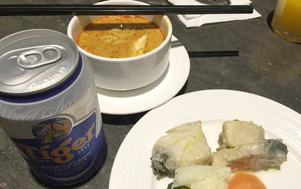 食べ物、ビールなど