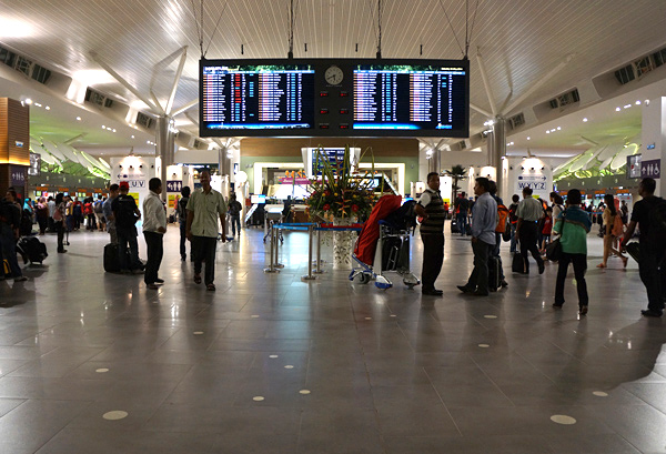 メインターミナルの出発フロア