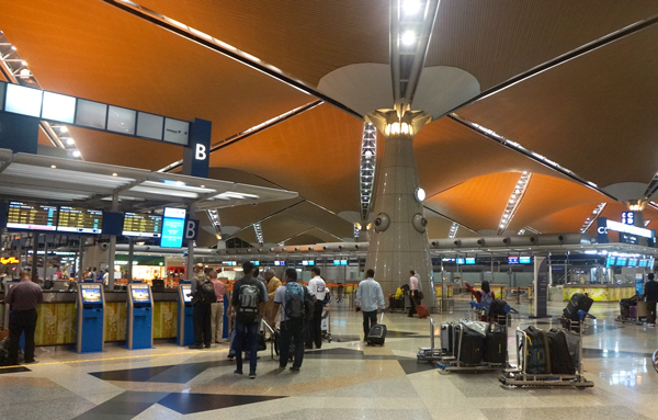 クアラルンプール国際空港(KLIA)