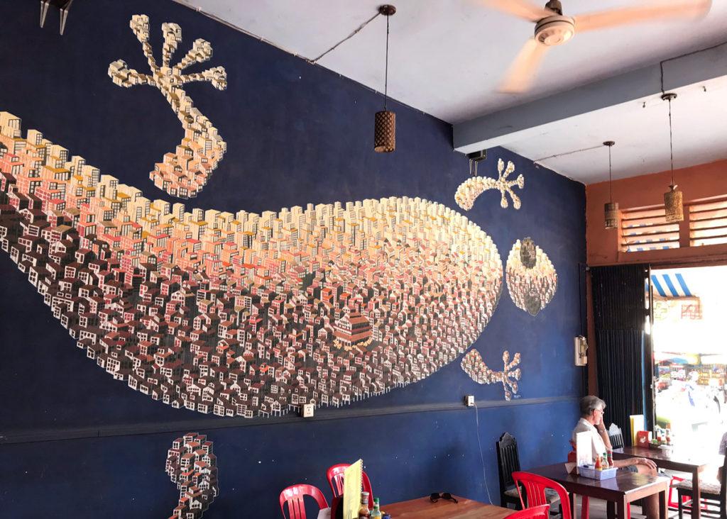 壁に描かれた巨大トッケー