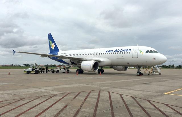 ラオス国営航空のエアバスA320型機