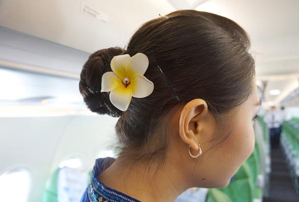 フライトアテンダントの髪飾り