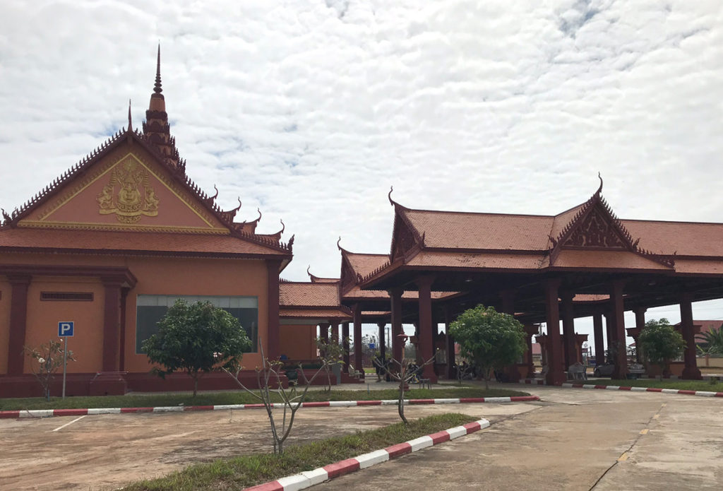 カンボジアのイミグレの建物