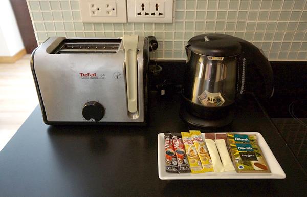 トースター、電気ケトル、コーヒー・紅茶