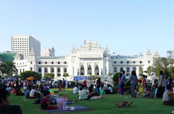 ヤンゴン市庁舎