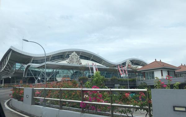 ングラ・ライ国際空港