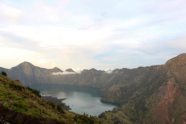 ロンボク島のリンジャニ山