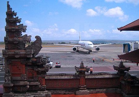 デンパサール国際空港