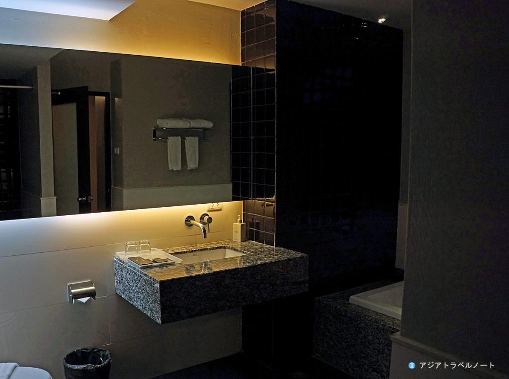 ページ10ホテル・パタヤのバスルームの様子