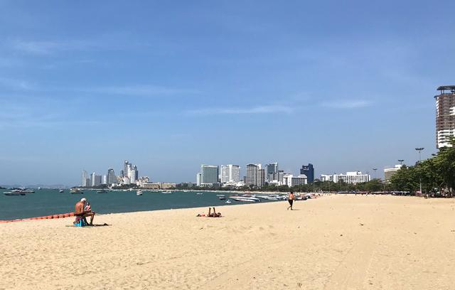 パタヤビーチ