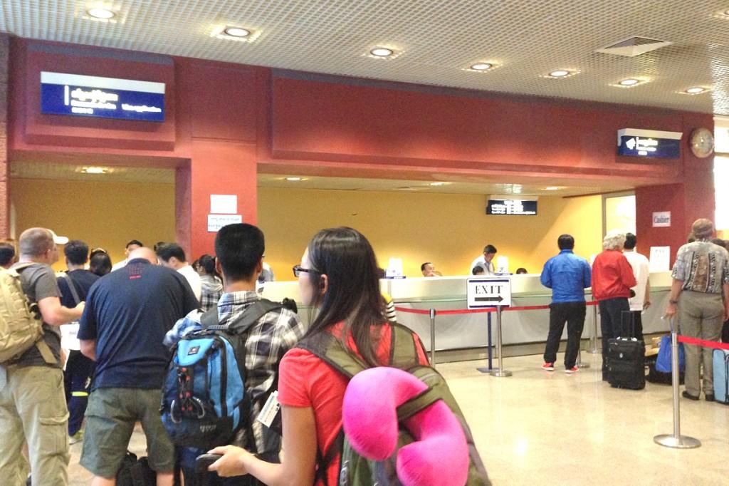 プノンペン空港のビザ申請・取得カウンター