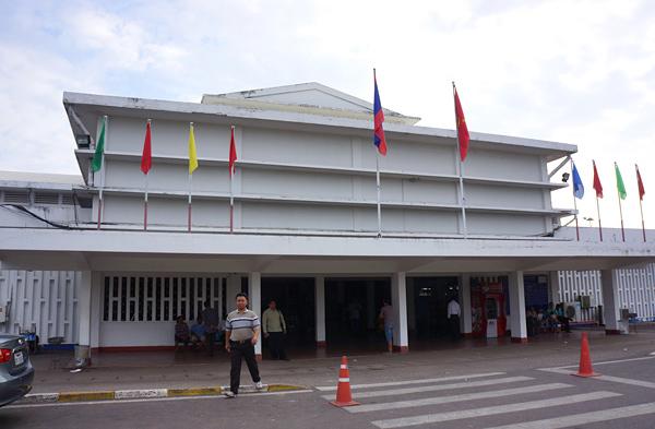 ワッタイ国際空港の国内線ターミナル