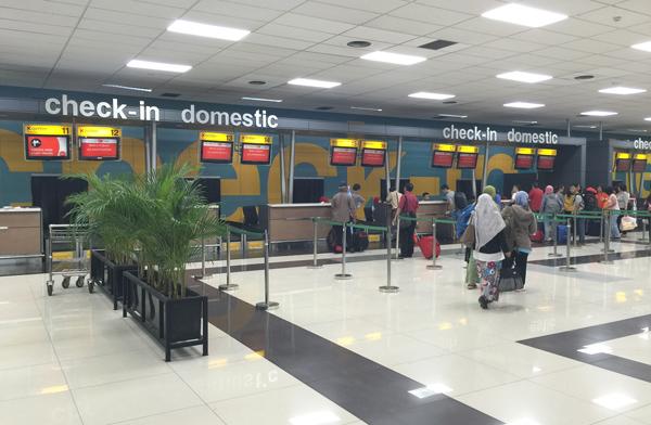 エアアジアの国内線チェックインカウンター