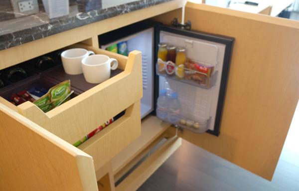 冷蔵庫、ミニバーなど