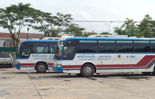 サワンナケート~ムクダハーン間の国際バス